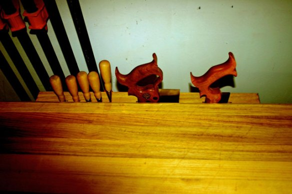 Lake Erie Toolworks. Roubo Workbench, Leg Vise, Wood vise